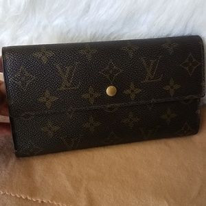 Louis Vuitton international Wallet Monogram